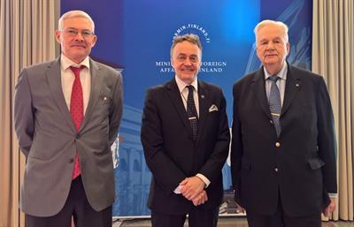 Honorary Consul-General Mr. Harry Blässar (on the right) and the Secretary to the Consular Corps, Mr, Christian Borenius paid a visit to Mr. Matti Heimonen, the Chief of ProtocolHonorary Consul-General Mr. Harry Blässar (on the right) and the Secretary to the Consular Corps, Mr, Christian Borenius paid a visit to Mr. Matti Heimonen, the Chief of Protocol (photo courtesy of Ministry)