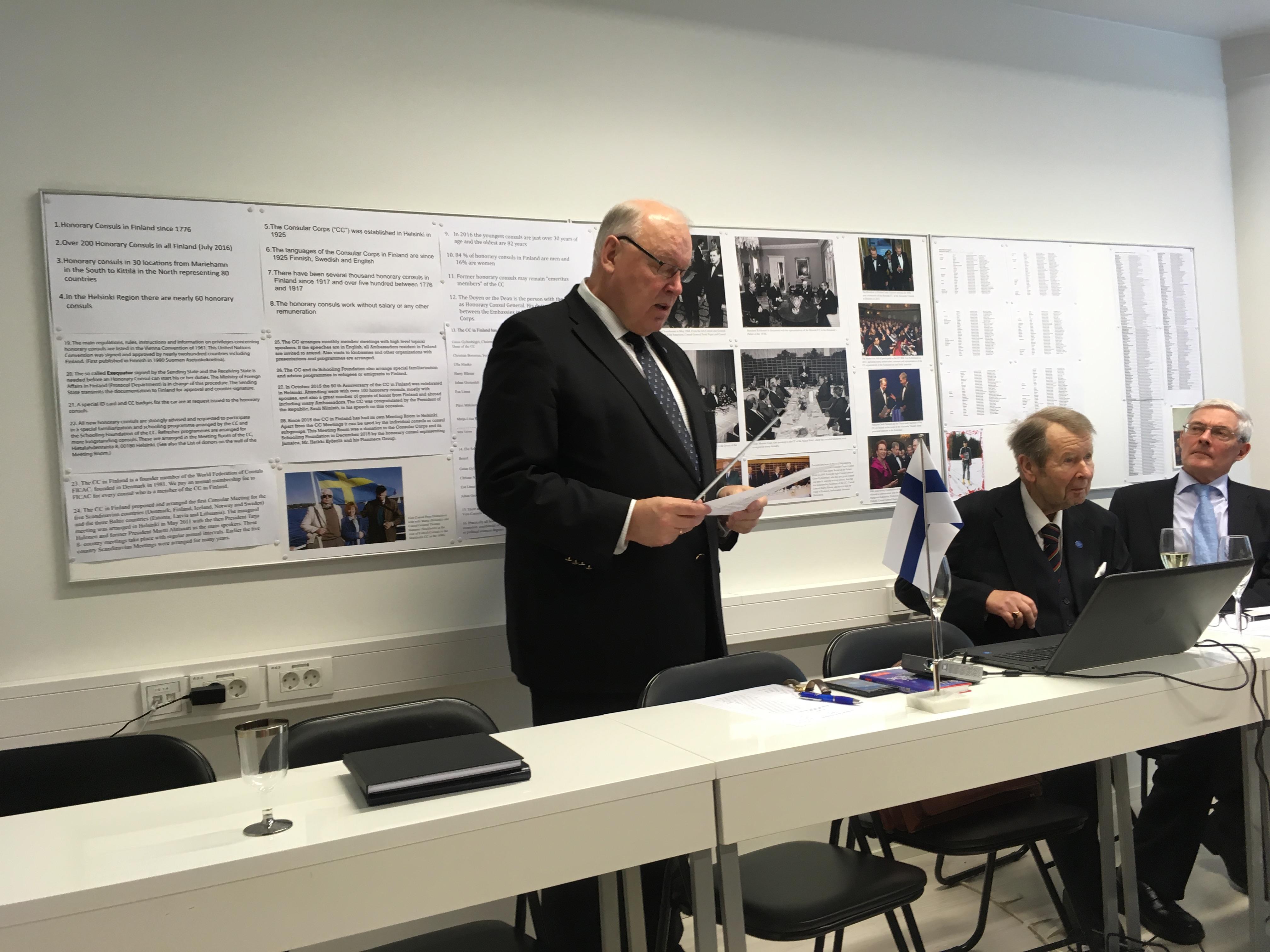 """Suurlähettiläs Pekka Huhtaniemi puhui """"Suomi 100""""-suurprojektista."""